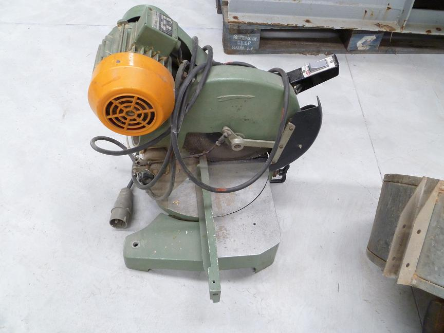Mitre saw from desktop